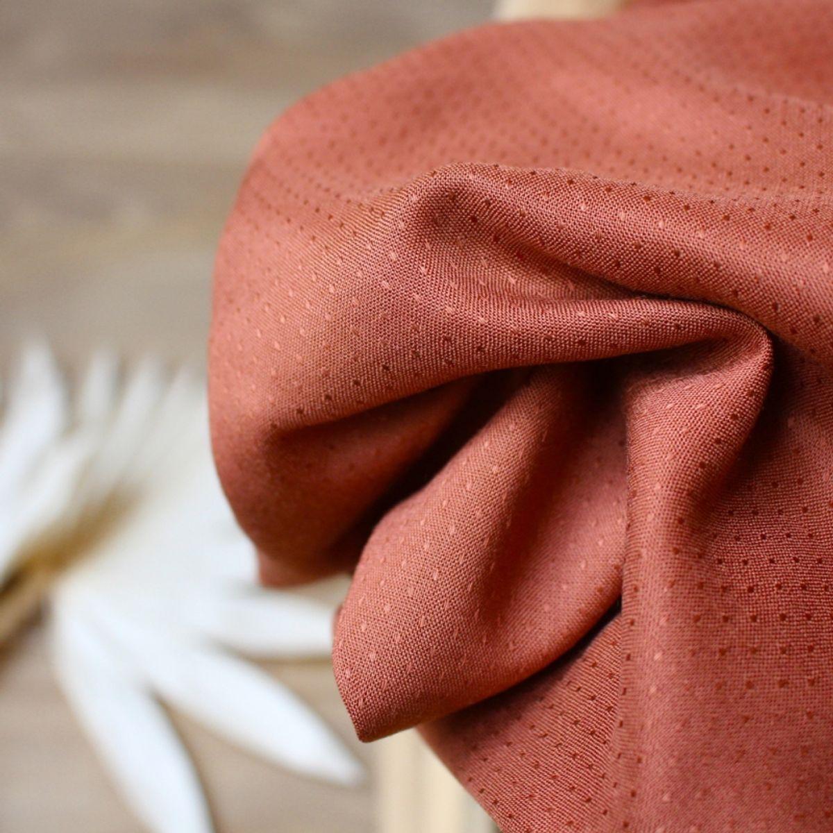 Tissu viscose plumetis Dobby Chestnut - Atelier Brunette