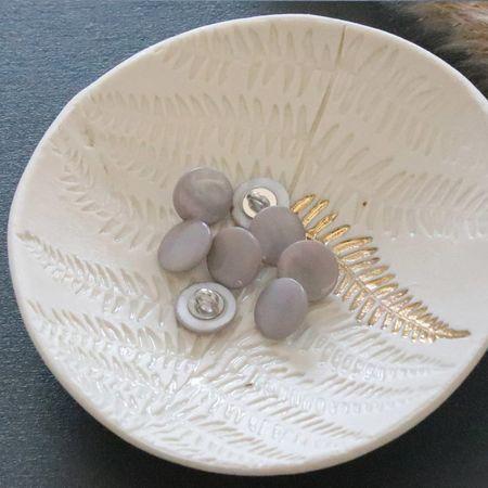 Bouton nacre à queue - Gris perle