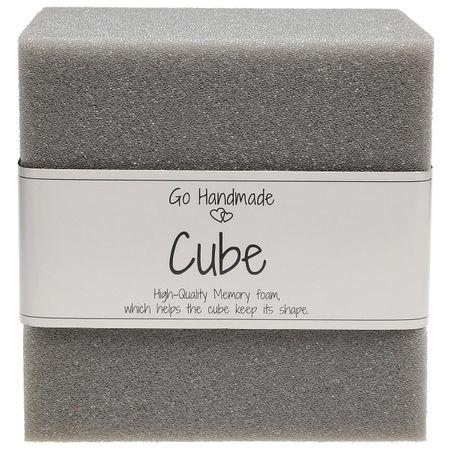 Cube de mousse pour jouets d´éveil  10 cm x 10 cm